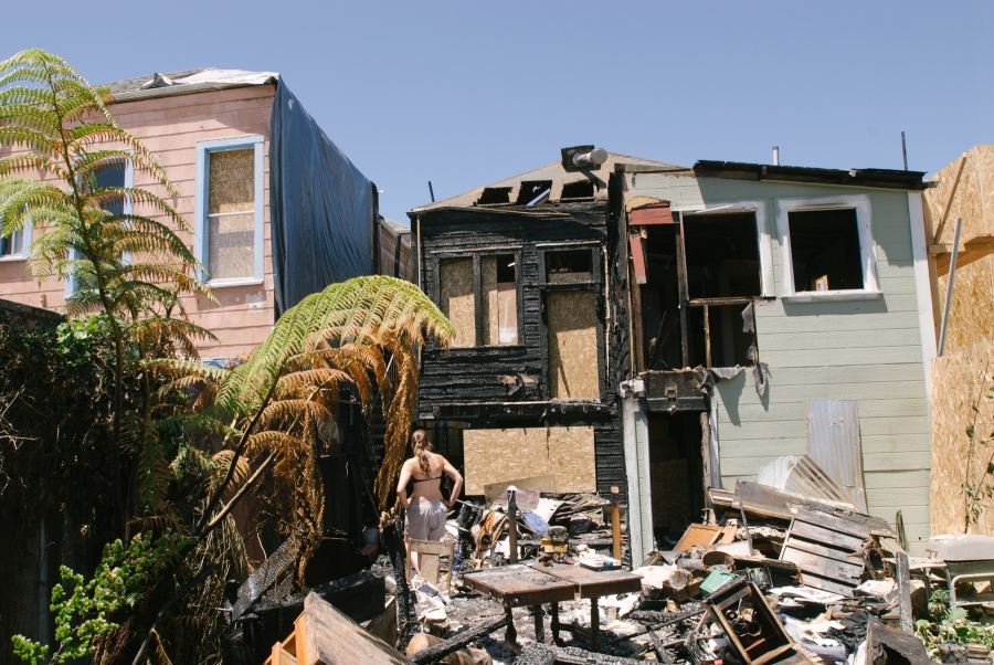 oakland house fire484